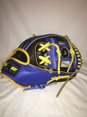 Baseball Glove for Sale in Chicago, IL