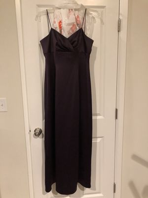 Plum satin gown size 10 for Sale in Puyallup, WA