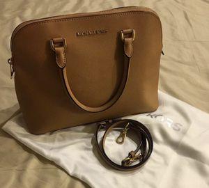 Authentic micheal kors medium handbag for Sale in Hillsboro, OR