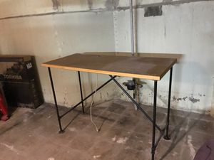 Standing desk for Sale in Chicago, IL