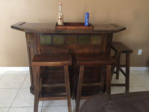 Rustic Bar with 3 stools for Sale in Homestead, FL