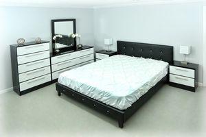 Juego de cuarto... Bedroom set for Sale in Hialeah, FL