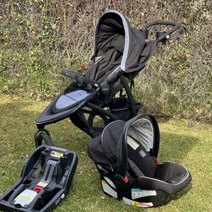 Graco infant car seat With Jogger Stroller and Car Base for Sale in Downey, CA