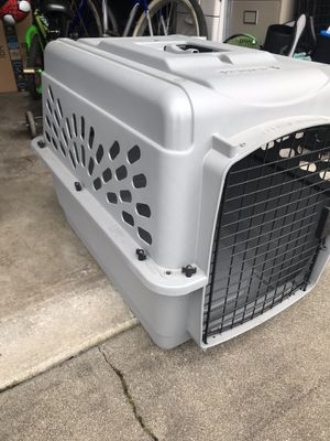 Petmate Kennel - used - medium size - plastic - dog or cat for Sale in Seattle, WA