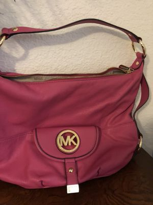 Michael kors hot pink handbag for Sale in El Paso, TX