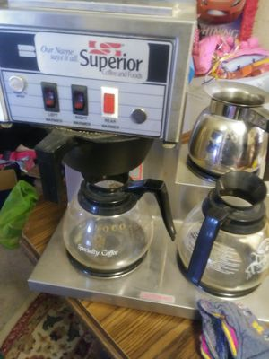 Superior 3 pot coffee maker for Sale in East Saint Louis, IL