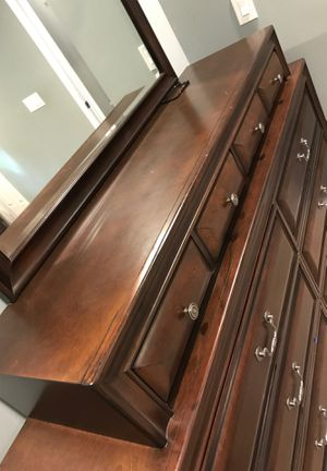 10 drawer dresser chest for Sale in Austell, GA