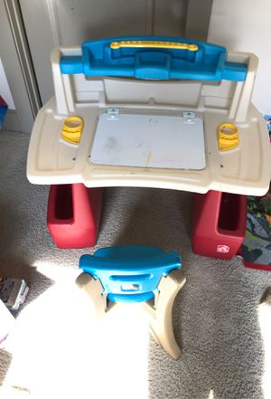 Kids workstation with chair for Sale in Dallas, TX