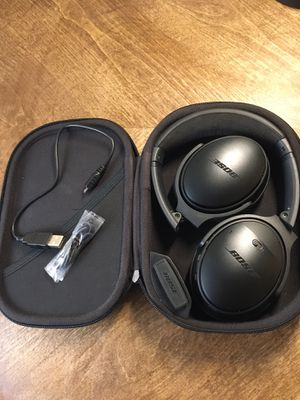 BOSE QuietComfort 35 Wireless Bluetooth Noise Cancelling Headphones MINT CONDITION for Sale in Denver, CO