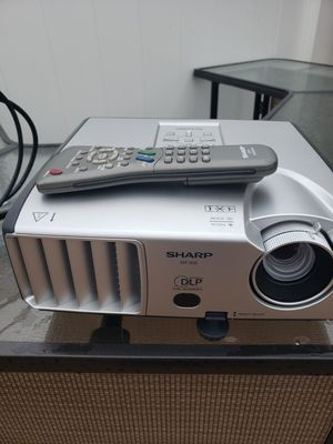 Sharp projector with remote control for Sale in Chicago, IL