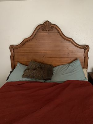 Wood Bed Frame (queen size) for Sale in Safety Harbor, FL