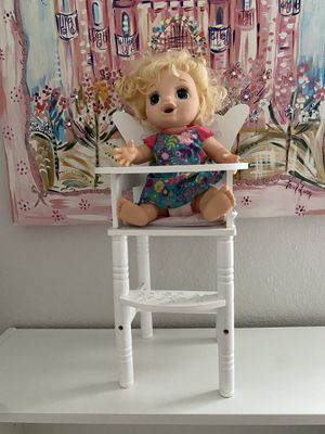Baby doll high wood chair for Sale in Weston, FL