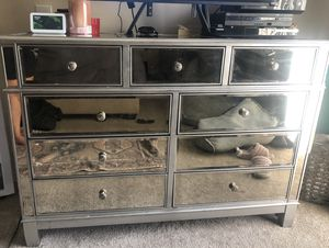 Mirrored dresser and matching nightstand for Sale in Arcadia, CA