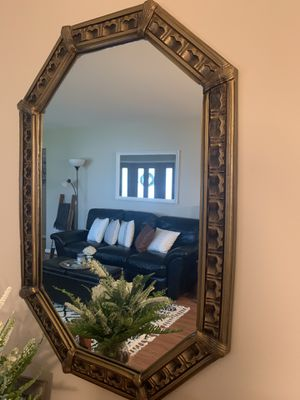 Octagon Shaped Accent Mirror for Sale in St. Louis, MO