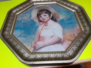 VINTAGE Metal Tray REALLY nice ONE Little Spot on It for Sale in Arnold, MO