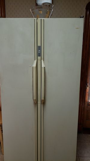 Amana refrigerator for Sale in Everett, MA