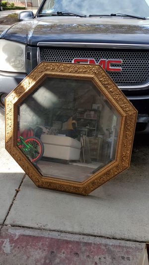 Large antique gold mirror , no damage 3ft x 3.5ft for Sale in Vallejo, CA
