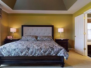 Bedroom set, king size for Sale in Grafton, MA
