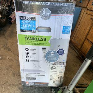RHEEM HI-EFF tankless water heater 199,900 btu!!! for Sale in Redwood City, CA
