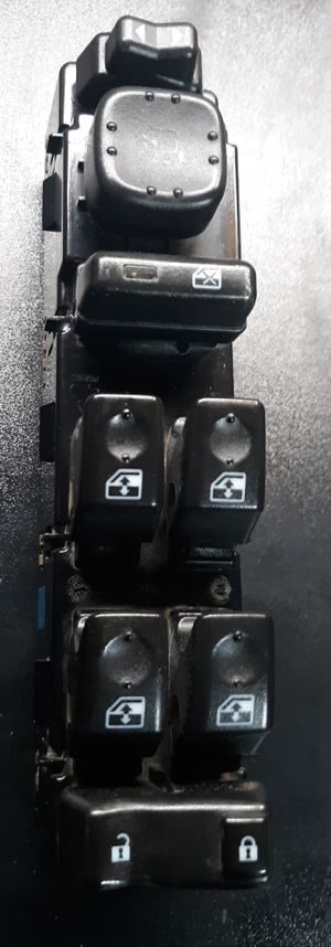 2003 - 2006 GM 4 Window Driver Control With Door Lock and Mirror Control in Great Condition! for Sale in Gonzales, LA