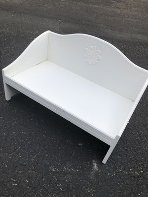 American girl daybed (35$) - American Girl (child size) 20$ (50$ for both) for Sale in Bellevue, WA