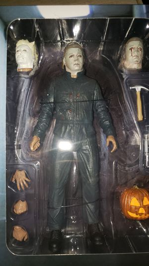 Neca Halloween 2 Ultimate Michael Myers Figure for Sale in Chicago, IL