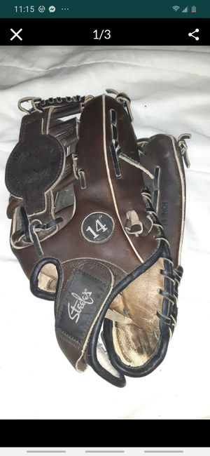 "STEELE 14"" BASEBALL glove for Sale in Parma, OH"