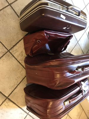 Luggage Samsonite Red leather for Sale in St. Charles, IL