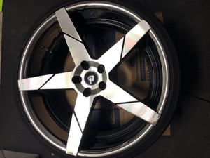 Lexani Invictus/ set of rims for Sale in Fort Lauderdale, FL
