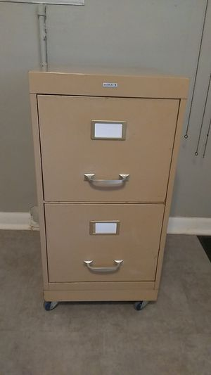 FILE CABINET ON CASTORS for Sale in IL, US