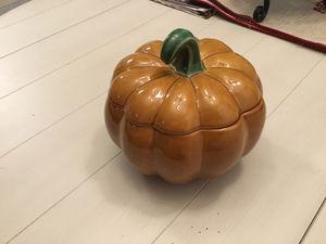 Like New Williams Sonoma Pumpkin Shape Cookie Jar for Sale in Goodlettsville, TN
