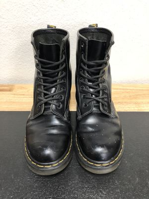 Dr Martens Classic 8 Hole Smooth Boot Women's Size 7 UK 5 for Sale in San Marcos, CA