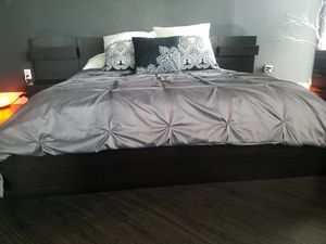 Ikea Malm Queen Bed with Nightstands. for Sale in Miami, FL