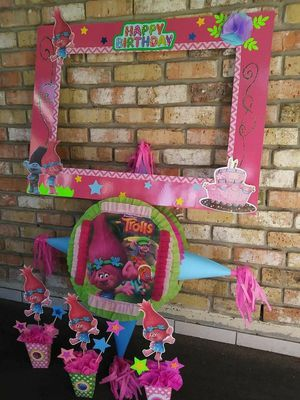 Trolls party bundle (pinata) for Sale in Houston, TX