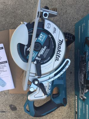 """Makita XSR01Z 18V LXT X2 (36V) Brushless 7-1/4"""" Rear Handle Circular Saw, Tool Only XSR01Z for Sale in Union City, CA"""
