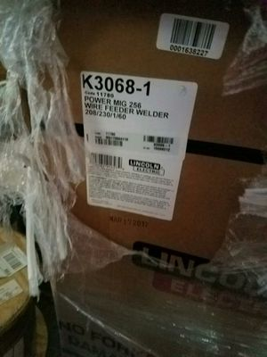 Lincoln 256 Mig Welder for Sale in Murfreesboro, TN
