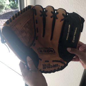 Baseball Glove for Sale in Riverside, CA
