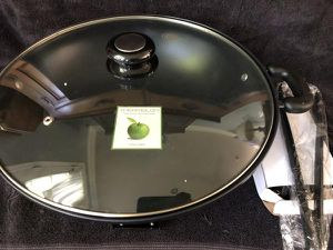 The orginal Greenpan Electric sauté pan. 13in for Sale in Archdale, NC