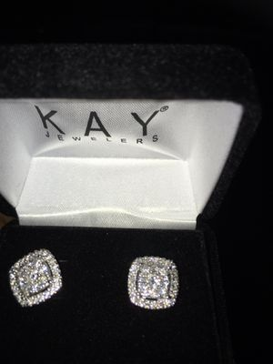 DIAMOND EARRINGS for Sale in Washington, DC