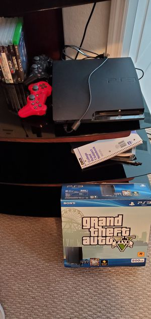 Ps3 w/ 5 games 2 controllers for Sale in Cutler Bay, FL