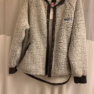 WEAR by Erin Andrews Sherpa jacket sweatshirt fleece has buttons (no zipper) plus size NEW NWT 3X 3XL true to size SEATTLE SEAHAWKS for Sale in Tacoma, WA