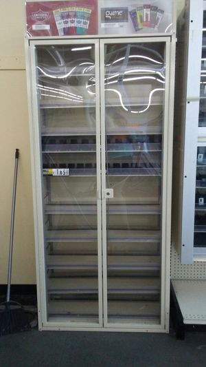 Locking display case for Sale in Vidalia, GA
