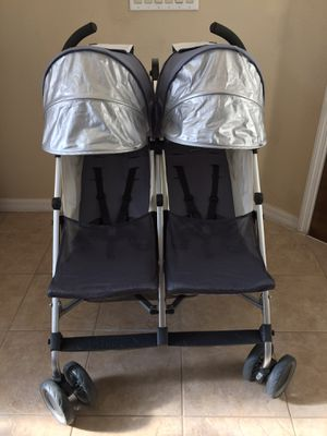 UPPAbaby G-Link Double Umbrella Stroller (Twin Side by Side) for Sale in Orlando, FL