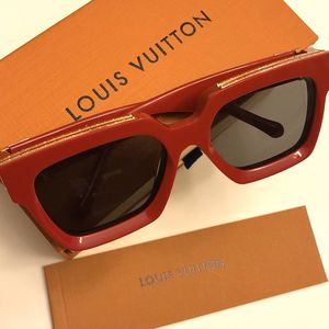 Unisex red millionaire Sunglasses ! New With Box ! No Trades ! for Sale in Washington, DC