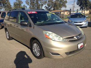 2006 Toyota Sienna LE (financing available) for Sale in Fontana, CA