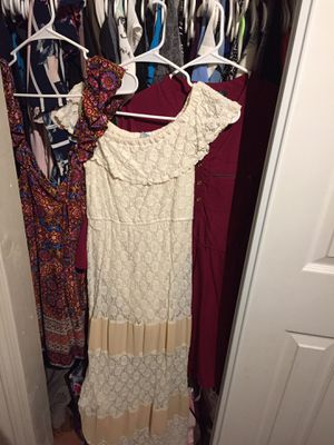 Women's clothes, dresses, tops etc for Sale in Manteca, CA