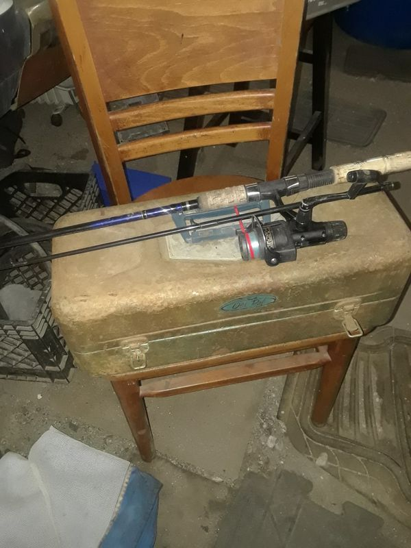Good Fishing Pole ,with vintage box and. Lots of tackle