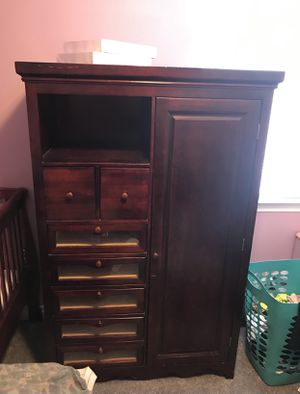 Cherrywood Nursery Bedroom Set (armoire, crib and changing table with storage bins) for Sale in Farmington Hills, MI