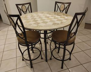 BEAUTIFUL High Round Dining / Kitchen Set - Marble design table with four high swivel chairs - LIKE NEW CONDITION - DELIVERY NEGOTIABLE for Sale in Boca Raton, FL