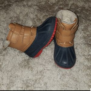 Old Navy toddler boy size 7 duck/snow boots for Sale in Tracy, CA